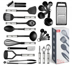 אוסף של 24 כלים שונים לשימוש במטבח