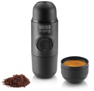 כלי להכנת קפה שחור או אספרסו ללא חשמל